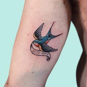 Tatuaggio rondine Milano