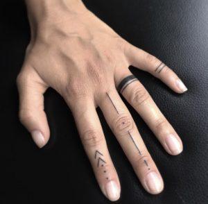 Tatuaggi dita Milano